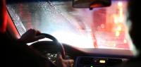 Какую ошибку допускают водители при запотевших окнах?