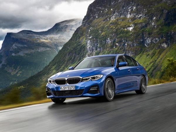 BMW 3 Series фото